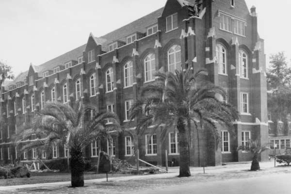 Historic photo of Smathers Library